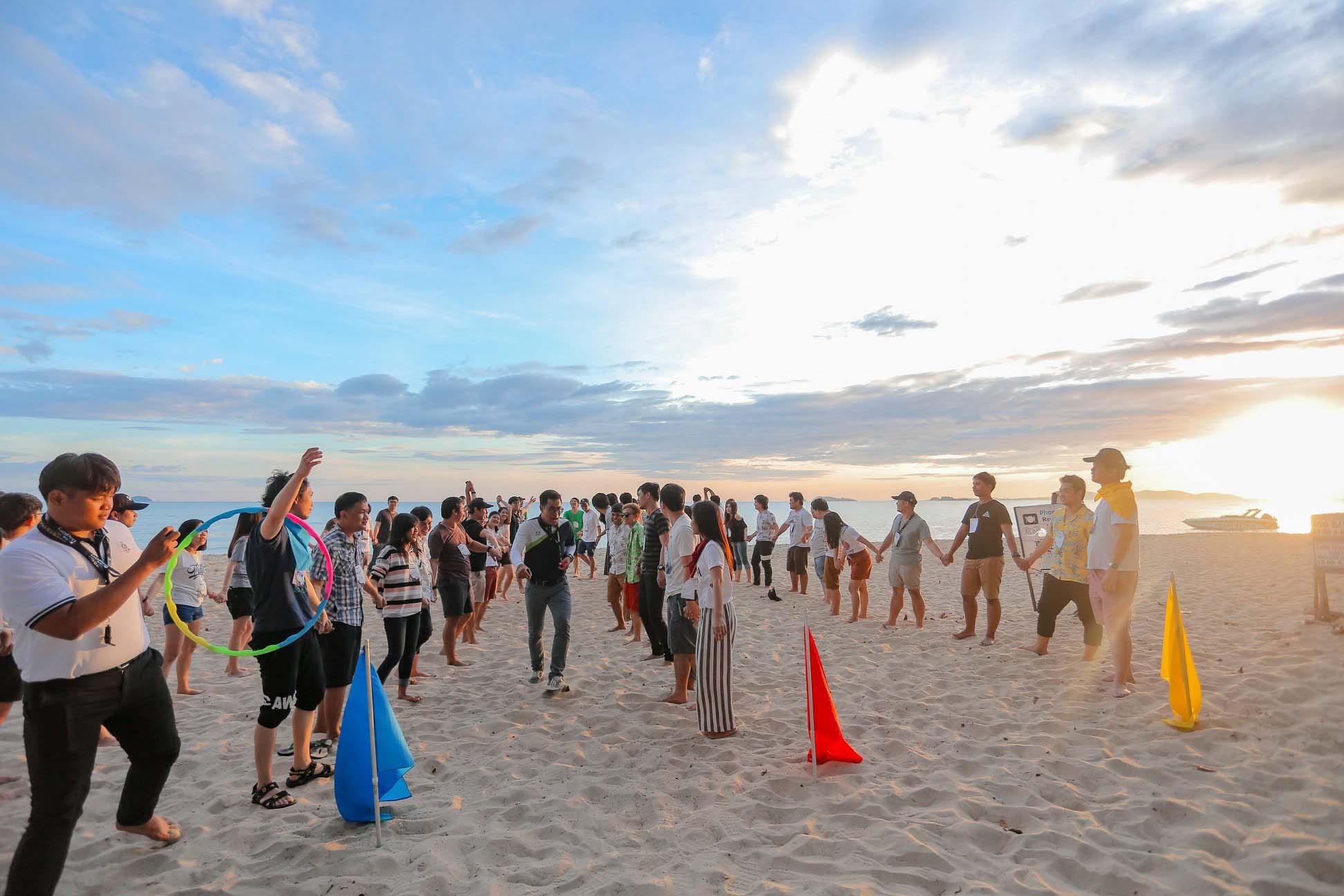 จัดกิจกรรม teambuilding ริมชายหาด